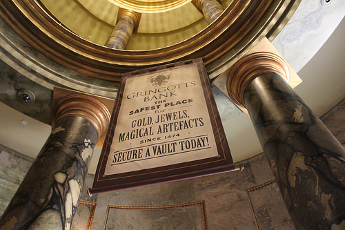 Wizarding World of Harry Potter Escape from Gringotts via Flickr by Theme Park Tourist