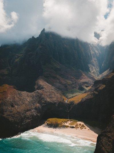 Kauai Na Pali Coast Photo by Jakob Owens on Unsplash @jakobowens1